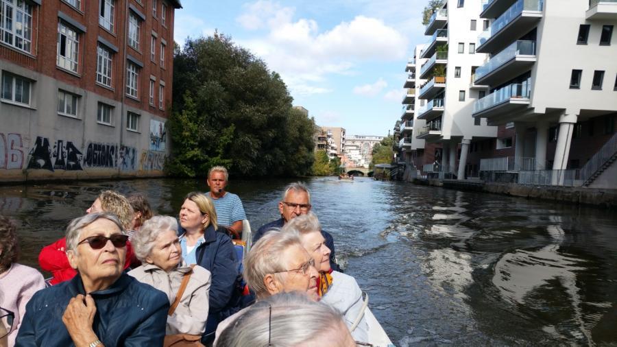 Gemeinsame Bootstour durch Leipzig