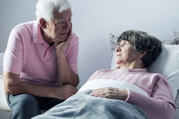 Pflegende Angehörige: Was ist, wenn man plötzlich selbst erkrankt?